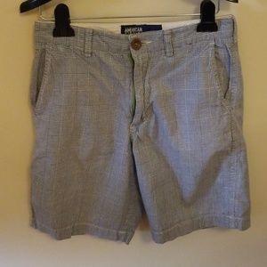 EUC Men shorts sz 28